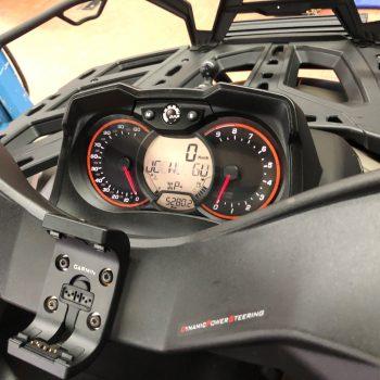 Outlander_1000_cockpit